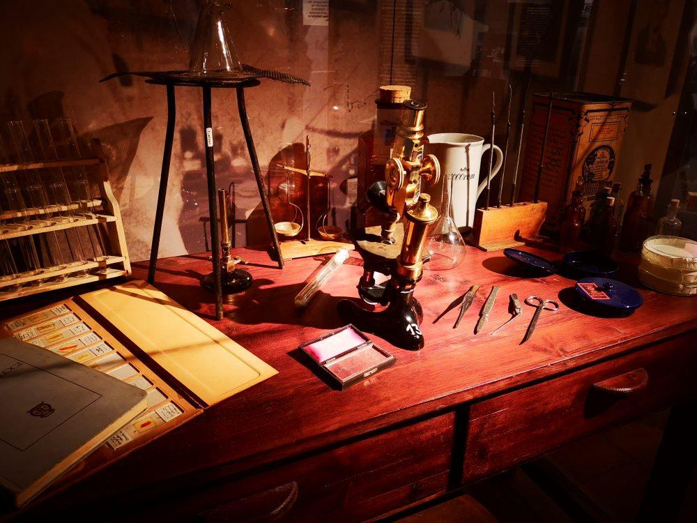 lappeteppet-teknisk-museum-apotek