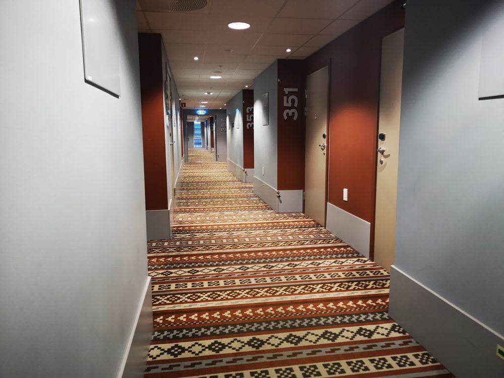 lappeteppet-hotell-gang-2018-11-07 08.55.52