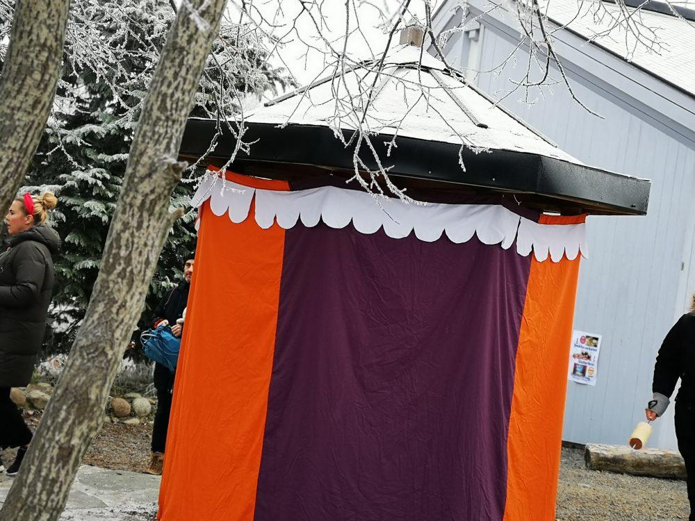 lappeteppet-julemarked-lørenskog-steinerskolen-spå-telt-spådame