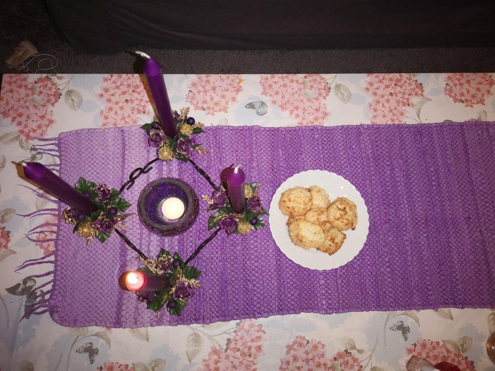 lappeteppet-advent-førstelys-kokosmakron