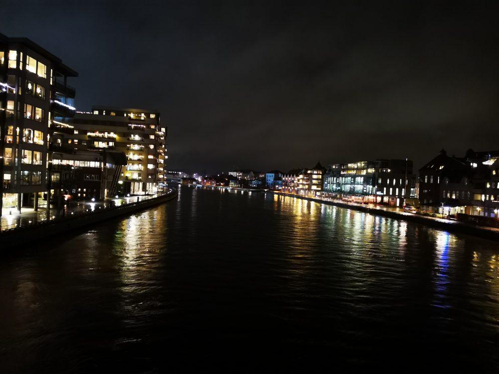 lappeteppet-fredrikstad-sjø-utsikt-desember-bro